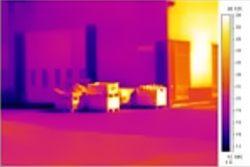 imagen captada por camaras infrarrojas en el exterior de una nave