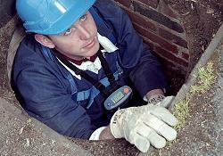 Detectores de fugas para utilizarlos como elemento de seguridad personal, con el que puede realizar las mediciones insitu, como por ejemplo en tuneles, alcantarillados, ...