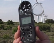 Testeo la velocidad y la humedad del viento en un parque eólico con los hidrómetros AVM-40.