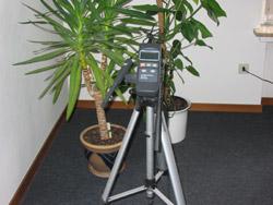 Medidor de humedad relativa usado con el tripode