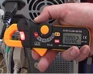 Los ohmetros serie PCE-DC3 en uso.
