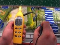 También con estos psicrómetros se pueden medir tanto la temperatura como la humedad ambiental en una cámara frigorífica de un supermercado.