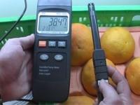 Con los psicrómetros se pueden realizar mediciones de la tempertura y humedad ambiental en una cámara de refrigeración de un supermercado.