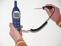 Con estos psicrómetros se pueden medir la temperatura, como por ejemplo la de una pared.
