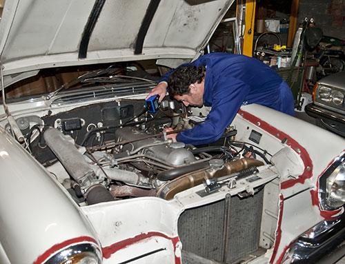 Inspección del motor con uno de nuestros video-endoscopios