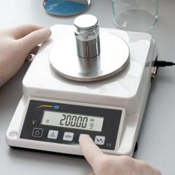 Peso de calibración de la balanza de precisión serie PCE-DMS