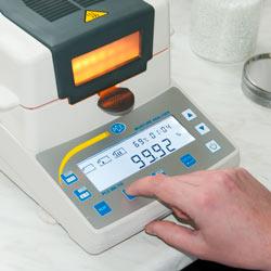 La termobalanza serie PCE-MA incorpora una gran pantalla LCD