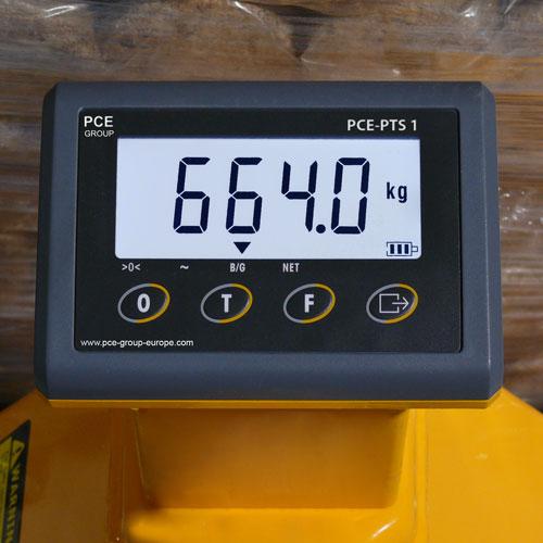 Pantalla de la transpaleta pesadora PCE-PTS 1N