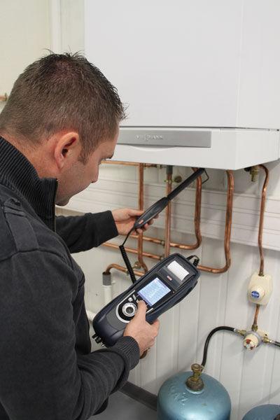 Comprobación de la fuga de gases con el analizador de combustión