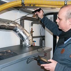 El diseño ergonómico del anemometro PCE-423 le permite manejarlo con una sola mano