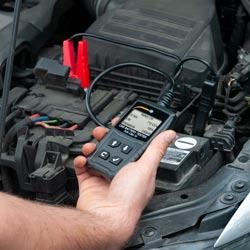 Verificación con el aparato de automoción para automóviles de coche
