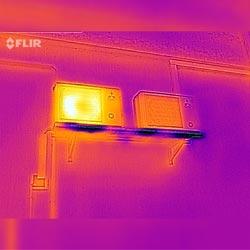Inspección del calor con la cámara IR para teléfono móvil.