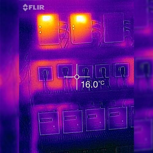 Cámara IR FLIR ONE para teléfono móvil en la termografía