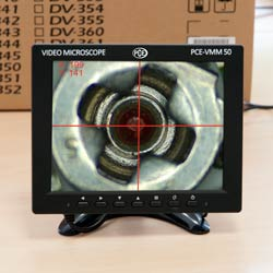 La cámara microscópica integra un filtro de 6 colores que ayuda a destacar diferentes detalles.