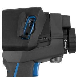 La cámara termográfica para la inspección de edificios se envía con una protección.