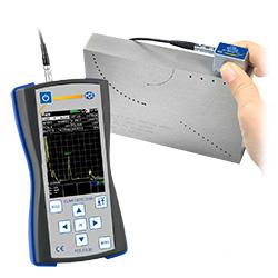 Puede calibrar por su propia cuenta el comprobador de fallas con un bloque de calibración.