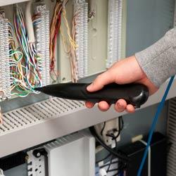 Comprobación de líneas telefónicas con el comprobador LAN con función multímetro PCE-LT 12