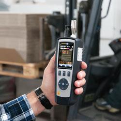 El contador de partículas PCE-PCO 2 durante una medición.