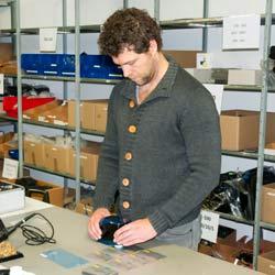 Realizando una medición con el espectrómetro de rejilla