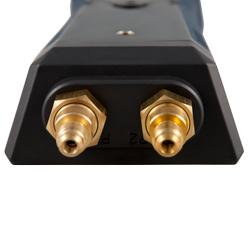 Conexiones para tubos del manómetro de presión diferencial.