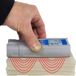 Visualización gráfica del principio de medición del detector de humedad de papel.