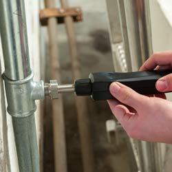 Montando el sensor del medidor del punto de rocío a presión PCE-DPM 3