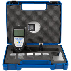 El medidor de recubrimiento PCE-CT 28 se entrega en un maletín.