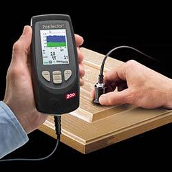 Medición del espesor de pintura con el micrometro PT-200.