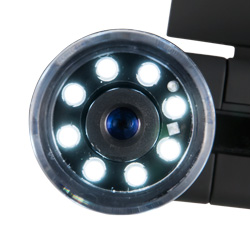 8 LED brillantes iluminan la superficie de ensayo del microsopio.