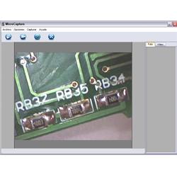 Microscopio USB PCE-MM 400 investigando una placa