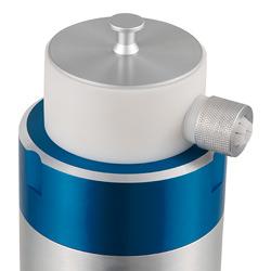 Puede verse en el lateral la conexión de la manguera del colector de microbios en aire.