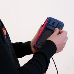 Soporte para los cables de prueba del multímetro digital PCE-DM 15