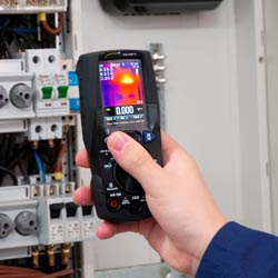 Uso de la cámara termográfica del multímetro digital PCE-HDM 15