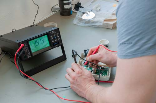 Uso del multímetro de mesa PCE-BMM 10
