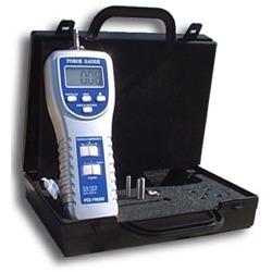 Presentación del penetrómetro de la serie PCE-PTR 200 en su maletín.