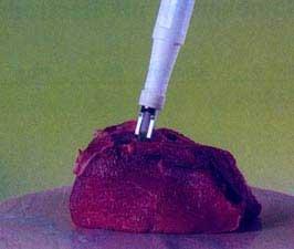 El sensor de hincado con la punta de penetración atornillada durante una medición.