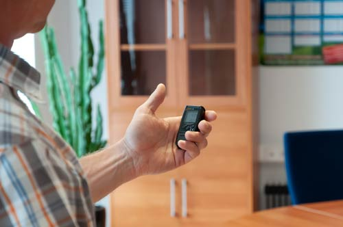 Usando el registrador de temperatura y humedad pdf en una oficina