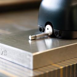 Comprobación de una superficie con el rugosímetro PCE-RT 2200