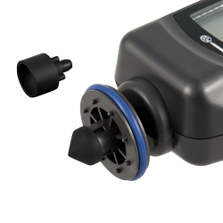 El envío del tacómetro incluye diferentes adaptadores.