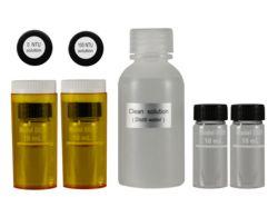 Aquí observa los estándar de calibración y solución de limpieza que se incluyen en el envío